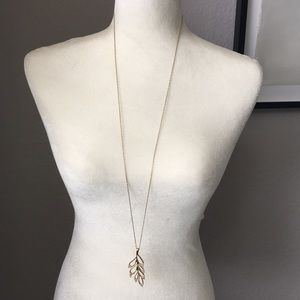 Ann Taylor Loft Leaf Pendant Necklace